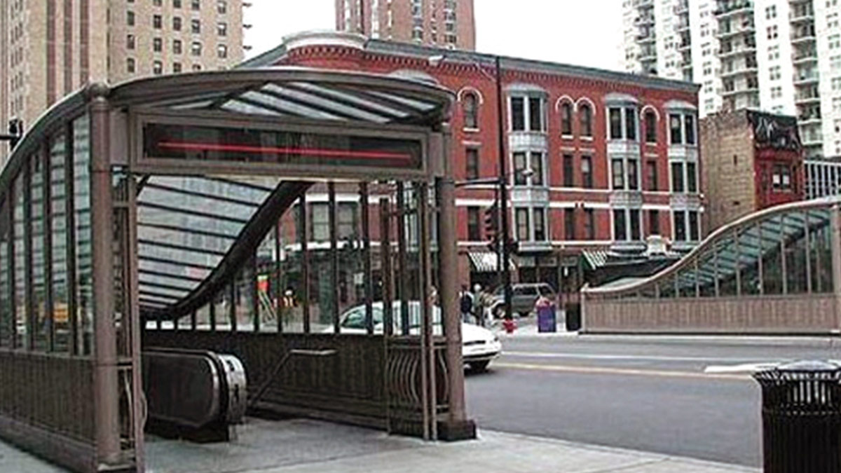 CTA Chicago and State Underground Station